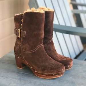 UGG Lynnea Suede Clog Booties Shearling 6-7